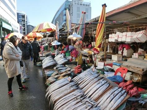 7 新東亜市場