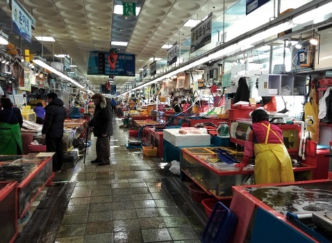 18 チャガルチ市場・内部