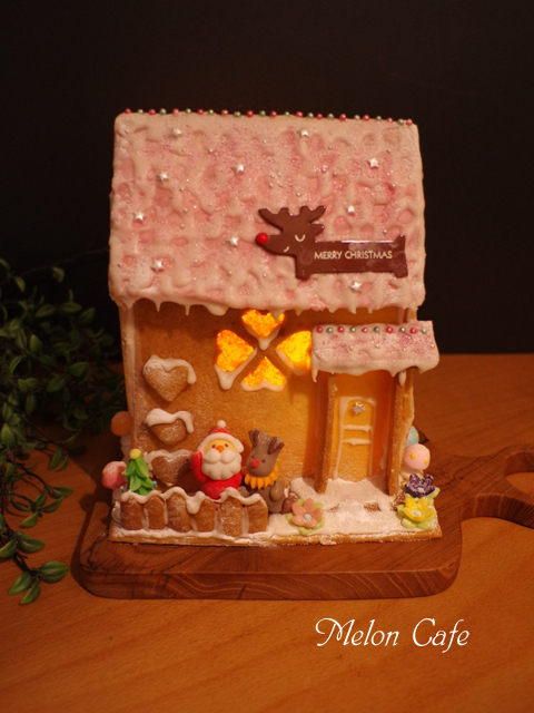 あかりの灯るヘクセンハウスお菓子の家201601