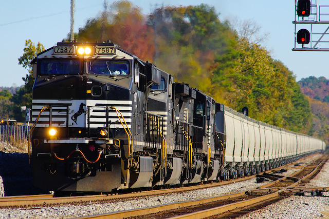 Nov2116 NS7587 new grain train 3