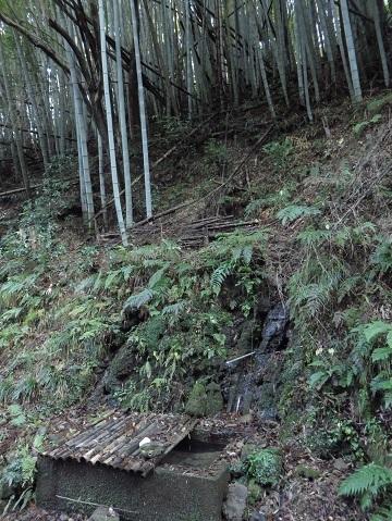 伊根の湧水 067-2j