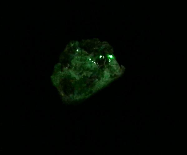 鉱石レジン夜光