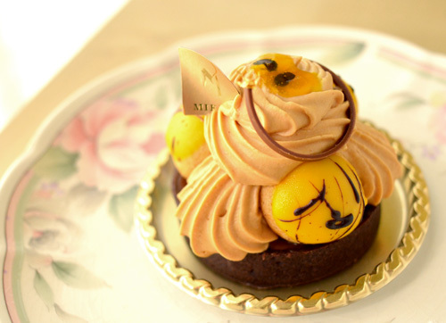 【ケーキ】カフェミクニズ「サントノーレ・バナーヌ」