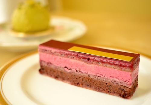【ケーキ】アヴランシュゲネー「オペラ フィグ ヴァンルージュ」 (1)