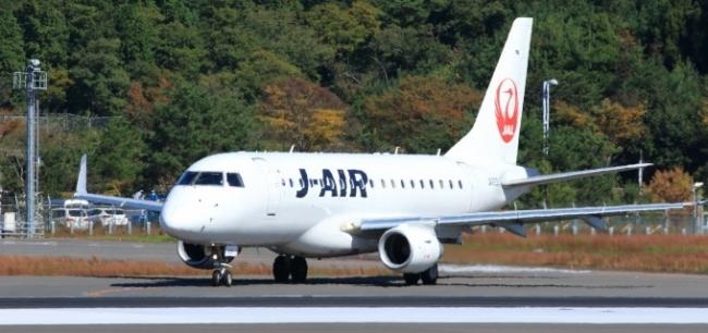 広島東洋カープチャーター機 ジャパンエア4921 J-AIR ERJ-170