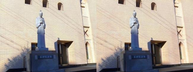 大阪カテドラル聖マリア大聖堂 高山右近 石像(交差法)