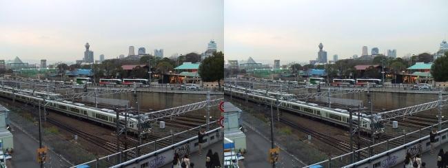 天王寺駅前陸橋からの通天閣(平行法)