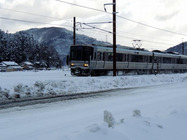 N8840雪中電車
