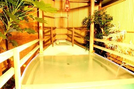椿荘 露天風呂