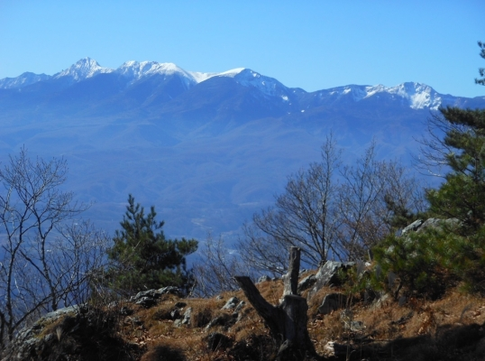 茂来山山頂から八ヶ岳を望む