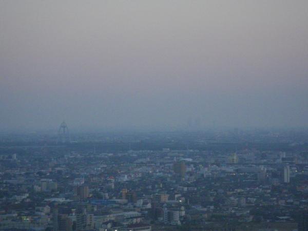 137タワーと名古屋駅