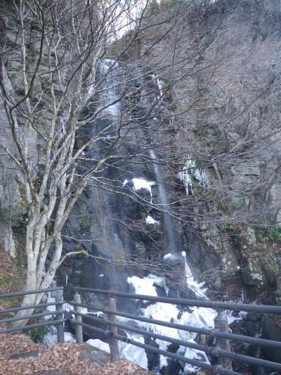 156号沿いの滝