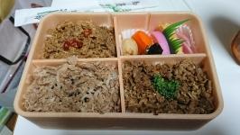 鶴屋の駅弁大会で山形県米沢駅の三味牛肉どまん中弁当をGET!