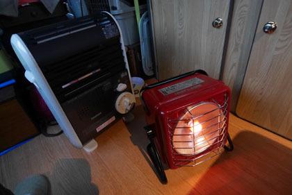 110カセットガス暖房