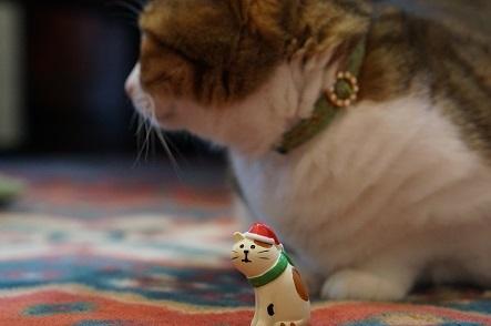クリスマスの三毛猫