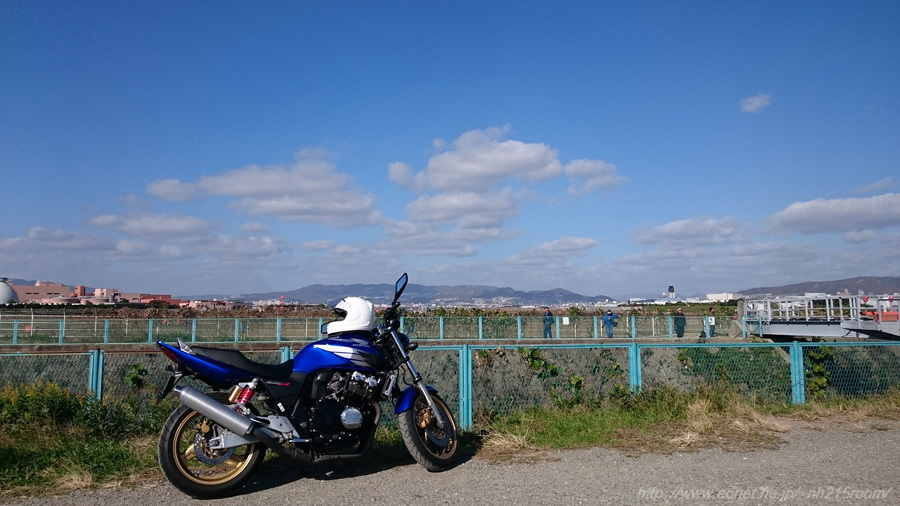 今日の空とCB号@千里川土手