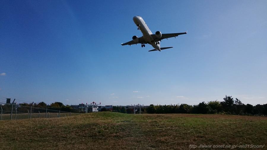 J-AIR ERJ-190STD@千里川土手