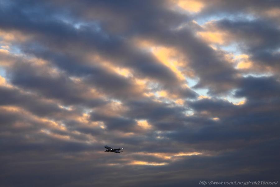 J-AIR ERJ-170STD / JA226J@猪名川土手