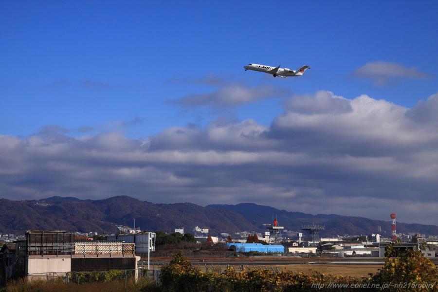 J-AIR CRJ-200ER / JA205J@猪名川土手
