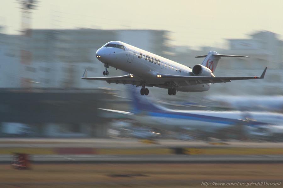 J-AIR CRJ-200ER / JA204J@猪名川土手