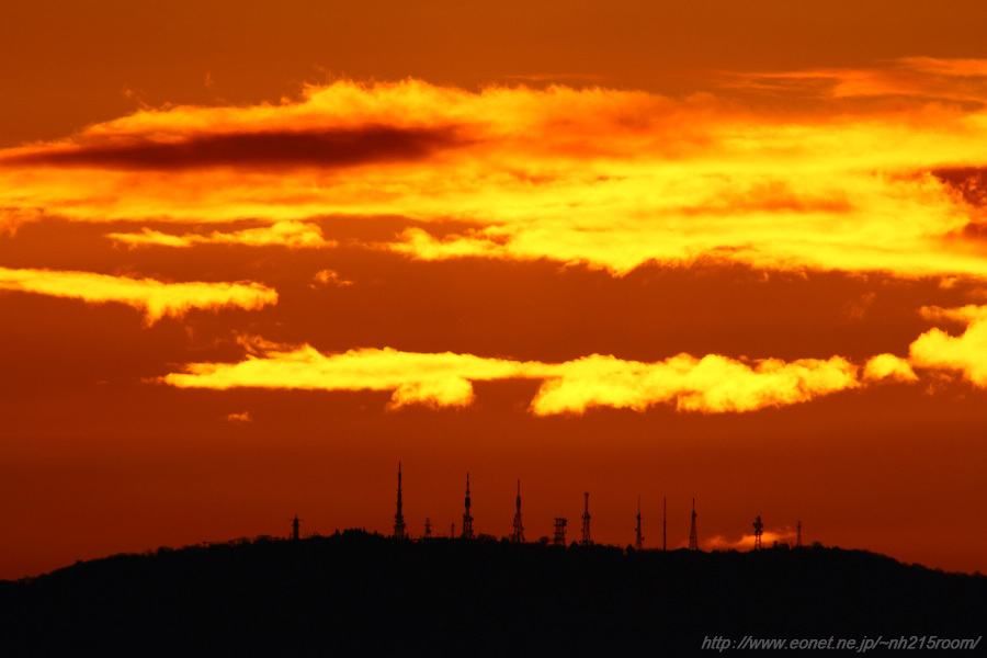 日の出直前の生駒山頂付近@猪名川土手