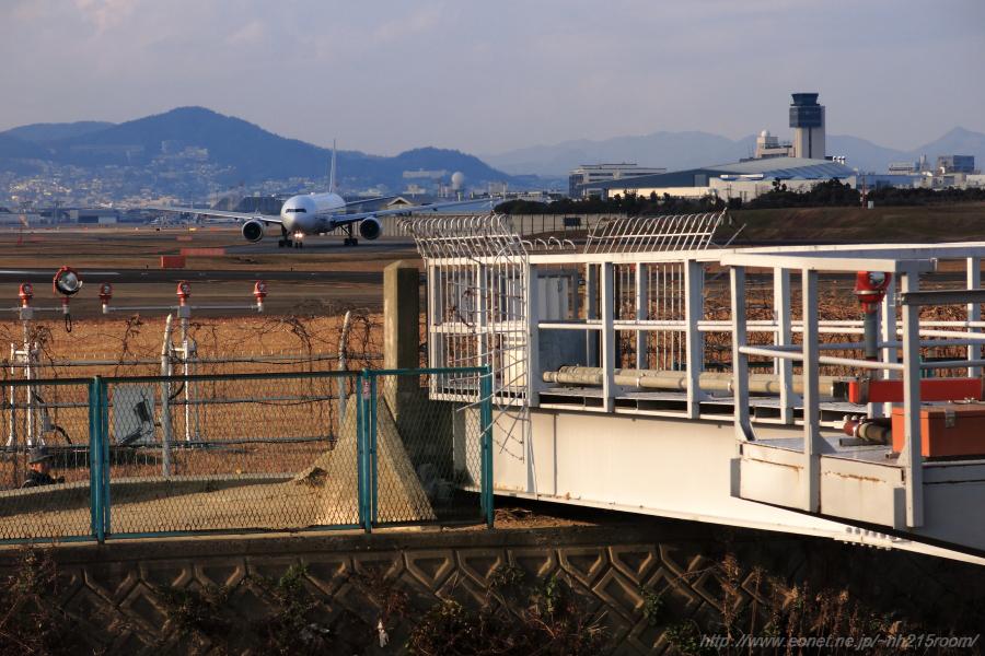 JAL B777-346 / JA751J@千里川土手