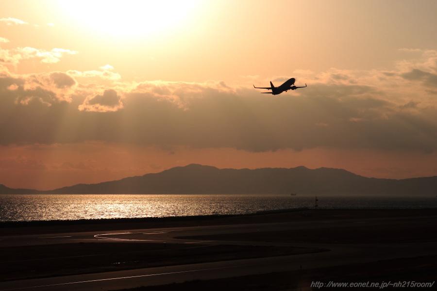 SKY B737-86N / JA73NJ@神戸空港展望デッキ