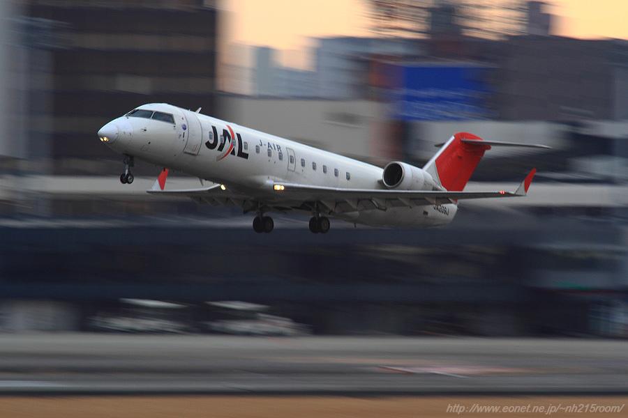 J-AIR CRJ-200ER / JA209J@猪名川土手