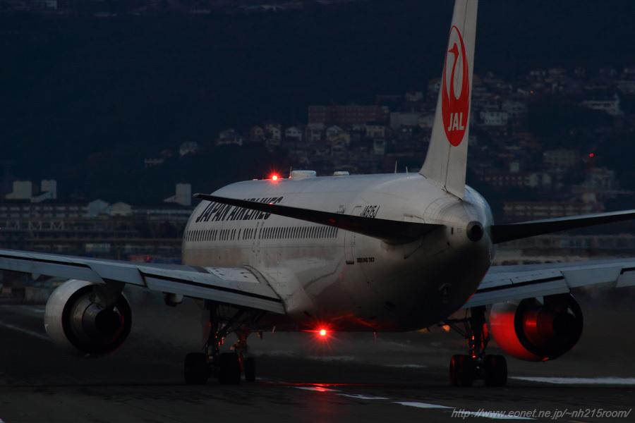 JAL B767-346ER / JA615J@千里川土手