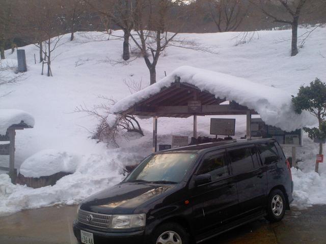 真冬の水くみ