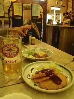 2016 12 17 京極スタンド ビールとハムカツ ブログ用.jpg