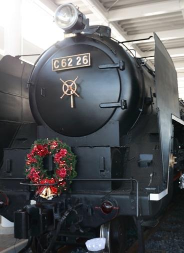 2016 12 18 鉄道博物館 エントランスの蒸気機関車 ブログ用.jpg