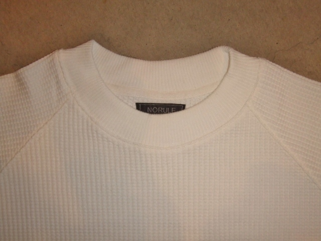 NORULE Heavy thermal mock neck trainer white ft1