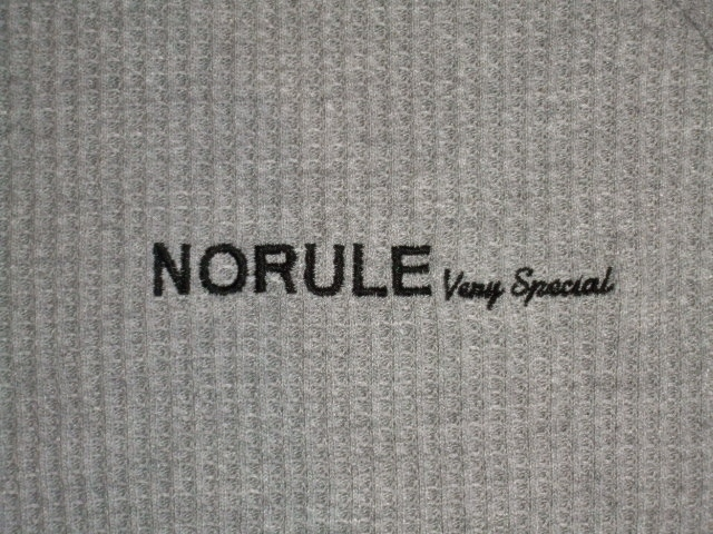 NORULE Heavy thermal mock neck trainer gray ft2