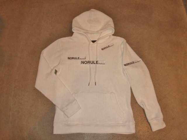 NORULE Heavy thermal Pullover parka white ft5