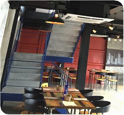 ERC Cafe店内