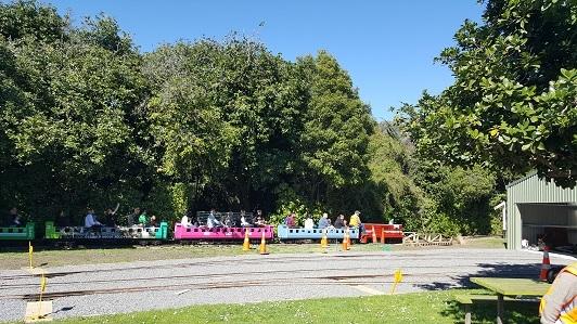 ニュージーランド_パーマストン・ノースのエスプラネード・ガーデンズ01