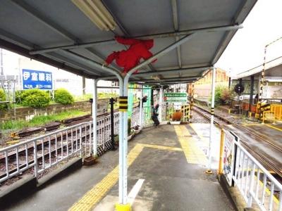 上野市駅ホームにも忍者の人形