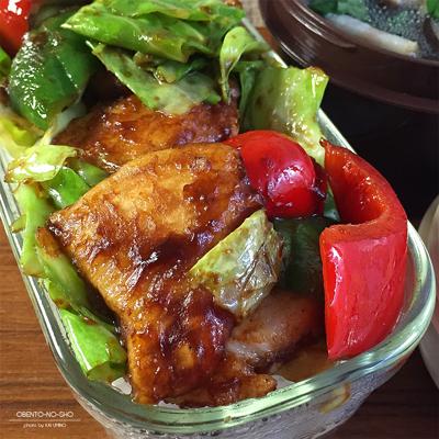 鶏胸肉の回鍋肉丼弁当02