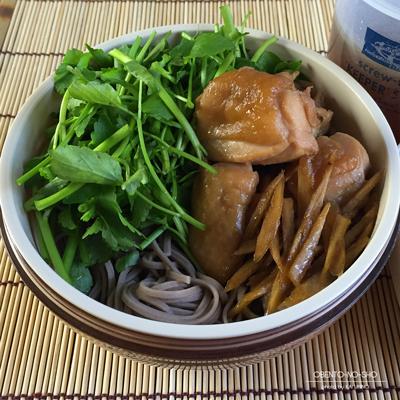 鶏せり蕎麦弁当02