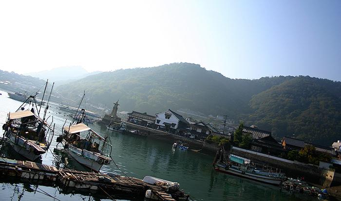 """【怖い話・都市伝説】漁師の友人が体験した現代版""""コトリ""""の話"""