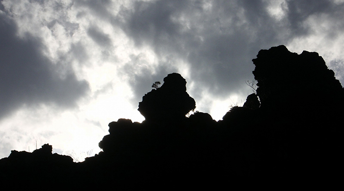 【怖い話】お堂にある石鬼の話