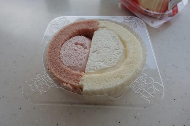 2 プレミアム紅白ロールケーキ&鏡もち風ムースケーキ (3)