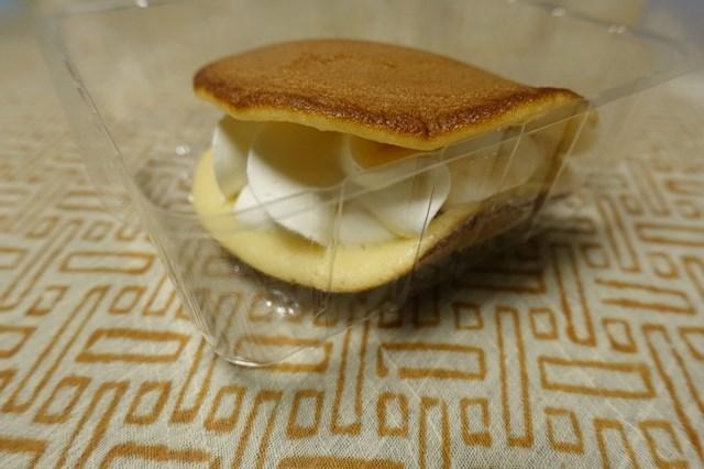 5 レアチーズ入りもっちり生どら焼き&ベルギーチョコ入りもち食感ロールケーキ (3)