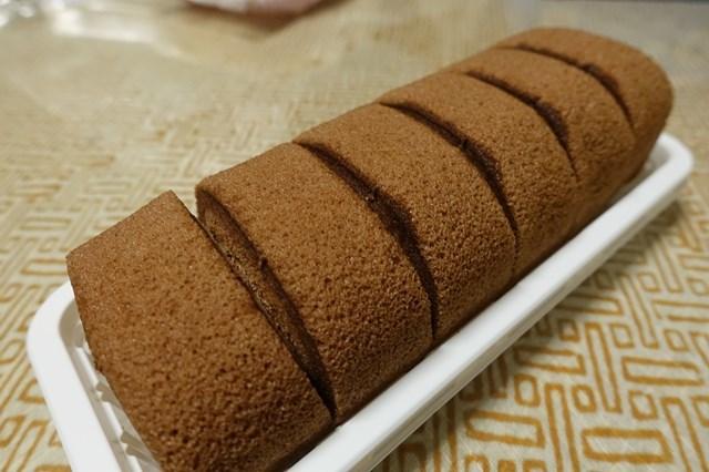 5 レアチーズ入りもっちり生どら焼き&ベルギーチョコ入りもち食感ロールケーキ (5)
