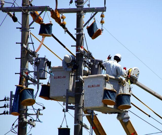 【無電柱化】災害時には交通の妨げ、また景観の保護のためにも「電柱」撤廃を推進へ…国に計画作成義務