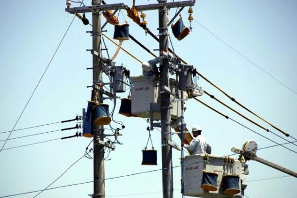 Utility pole63873