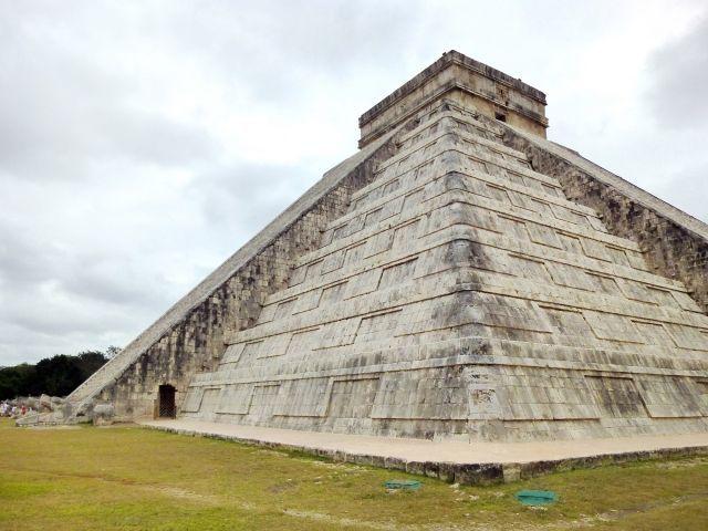 【マヤ文明】メキシコにあるククルカン・ピラミッドの内部に第3のピラミッドがあることが判明…専門家「ロシアのマトリョーシカのようになっており、大きい物の下に別の物がある」
