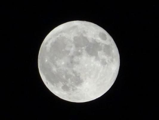 moon5374868685477.jpg