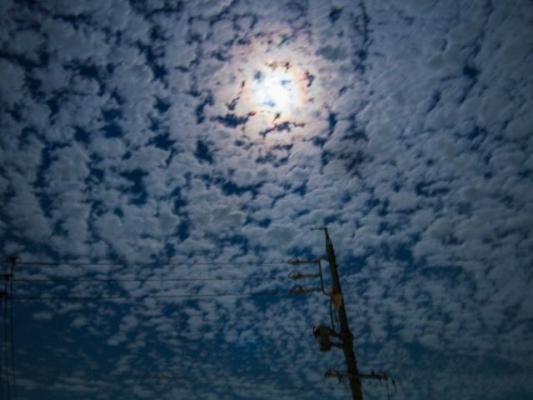 sky_moon453678.jpg